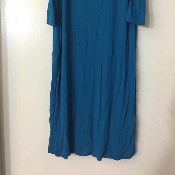 bebe Dresses - Bebe Shoulder Cut Out Maxi Dress