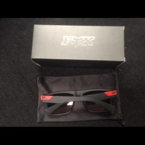 Fox Accessories - New Tri-Color Fox Sunglass Set