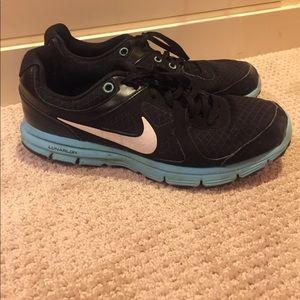 Nike lunarlon athletic sneaker