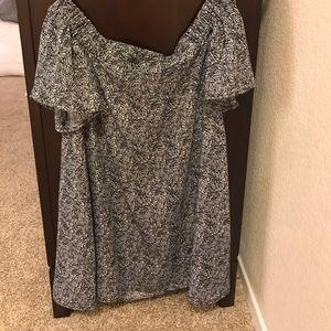 Alythea Dresses & Skirts - NWOT Alythea off the shoulder dress