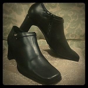 Aj Valenci Shoes - NEW IN BOX!!! AJ Valenci below the ankle bootie