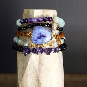 Function & Fringe Jewelry - 🌺 Geode beaded bracelet