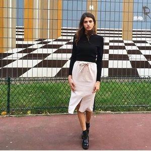 American Apparel Dresses & Skirts - American apparel mid length skirt