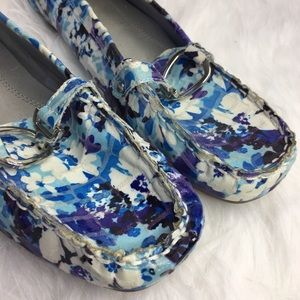 croft & barrow Shoes - 🆕 Croft and Barrow Blue Floral loafer