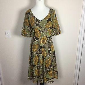 LOFT Dresses & Skirts - LOFT Floral Summer Dress Size 6