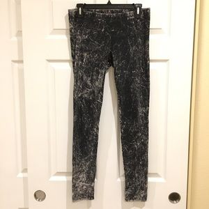 Pants - Black Graphic Texture Leggings