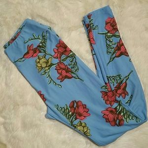 LuLaRoe Pants - Lularoe Flower Floral Rose Print One Size Leggings