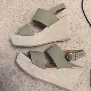 APC woman wedge sandal