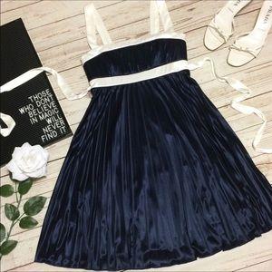 Jodi Kristopher Dresses & Skirts - ⚡️Flash Sale Jodi Kristopher Accordion Pleat Dress
