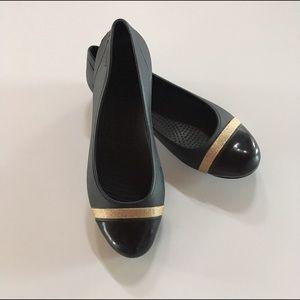 CROCS Shoes - Crocs cap toe black and gold ballet flat