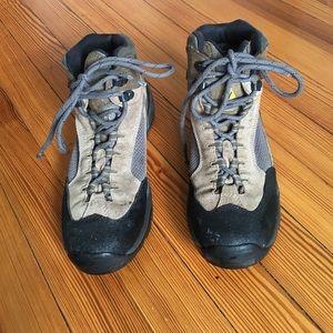 Vasque Shoes - Vasque hiking boots, size 9