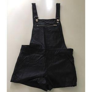 NEW F21 Vegan Leather overall shorts black Medium