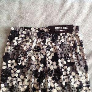 Agnes & Dora Pants - NWT Agnes & Dora Black and White Floral Leggings