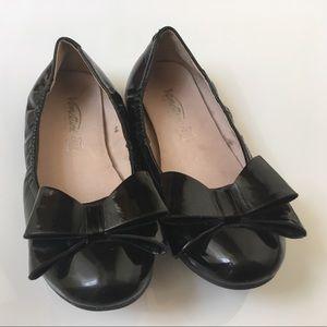 Venettini Other - Venettini Black Patent Bow Shoes Size 33 (1.5/2)