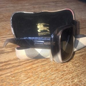 Burberry Accessories - Burberry Singlasses
