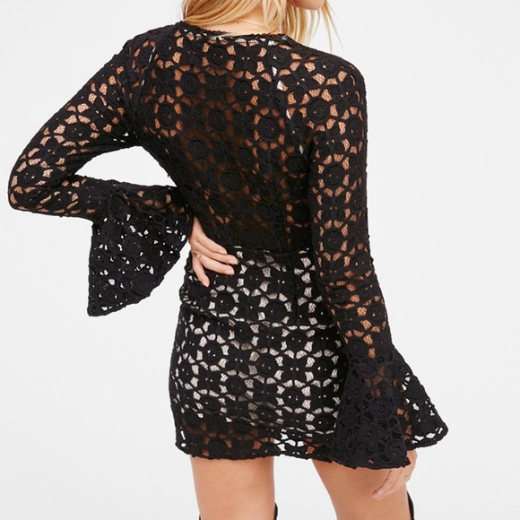 Free People Dresses - Free People festival crochet Blk  mini Dress sz 8