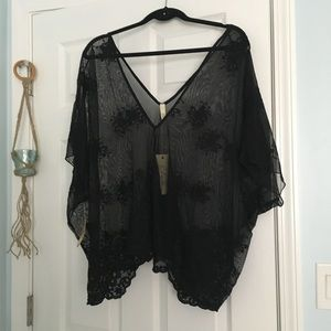 Tops - Sheer Lace Kimono Sleeve Poncho Swim Cover Up