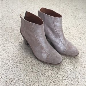 hoss Shoes - Leather booties