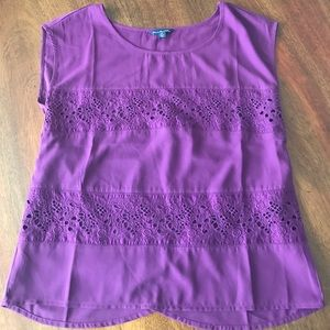 Purple tshirt with lace insets and a split back
