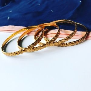 Jewelry - Thick Golden Bangles (Set of 4)
