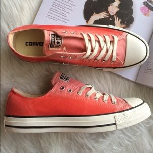 Converse Shoes - 🎉1 HOUR SALE! Converse all star pink womens shoes