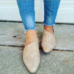 Strut! Shoes - //The Alexa// Taupe vegan leather Flat
