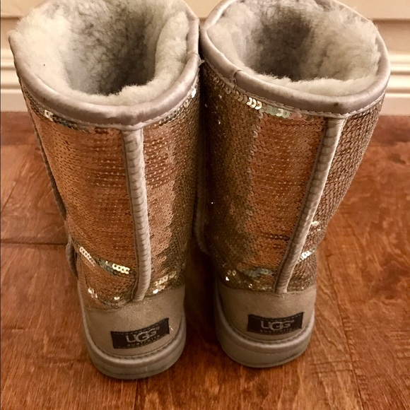 7d7aabbf68f Ugg Silver Sparkle Boots Size 8 - cheap watches mgc-gas.com