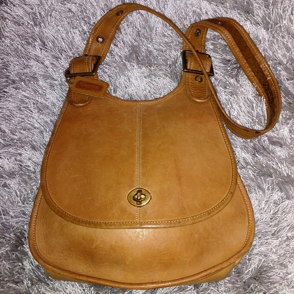 c4bc0ef19e Coach Handbags - Vintage Coach NYC Hippie saddle bag