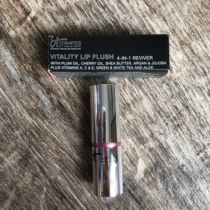 IT Cosmetics Other - Vitality Lip Flush