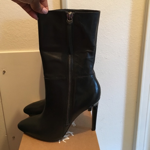 neiman marcus shoes black fitted mid calf boots excellent