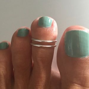Jewelry - Sterling Silver 2 Thin Band Cuff Toe Ring