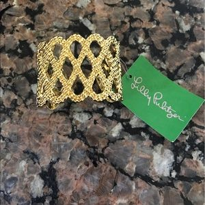 Lilly Pulitzer Jewelry - NWT Lilly Pulitzer gold bangle