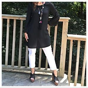 Dresses & Skirts - 🆕 chiffon  bell sleeves black chic dress