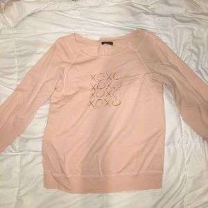"""Bohme Sweaters - Light pink crewneck with gold sparkled """"XOXO"""""""