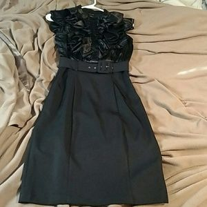 Snap Dresses & Skirts - Beautiful black dress