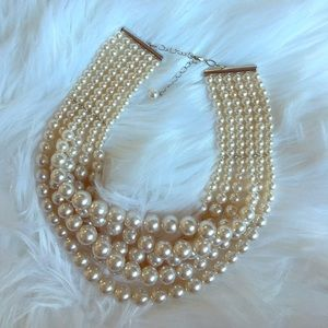 Jewelry - Layered pearl necklace!
