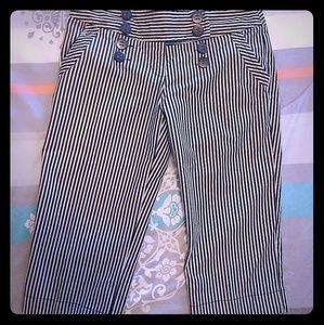 Pants - Cute Rockabilly Pinstriped Bermudas!!