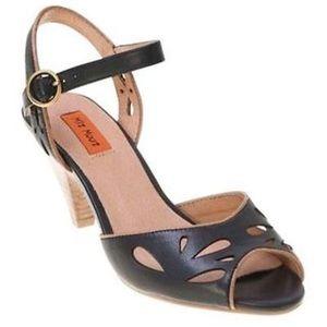 Miz Mooz Shoes - NWOB Miz Mooz Wonder leather wooden heels retro