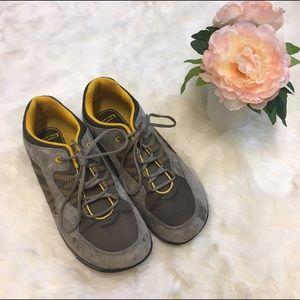 Propet Shoes - Propet Leila Suede Gray Walking Shoe