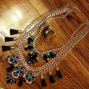 Jewelry - Tri-strand Look Bold Statement Necklace NEW