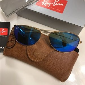 Ray -Ban ❣️NWT Authentic❣️Blue/gold. New