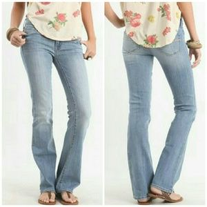 Bullhead Bootcut Daybreak Blue jeans.NWT 11L