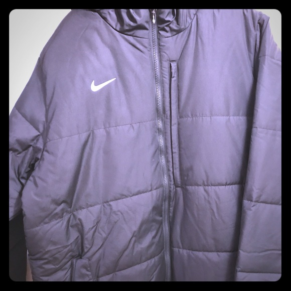 7c8a1ce272df Nike new nwt storm fit jacket