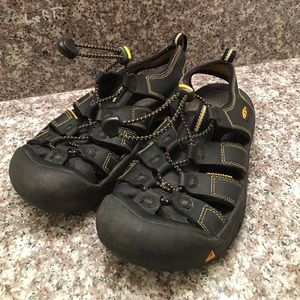 Keen Shoes - KEEN waterproof outdoor sandals sz 5