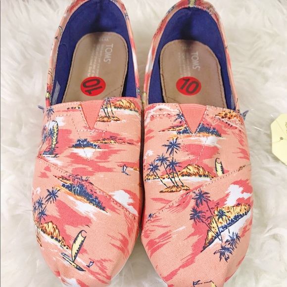 f1b8af9554b New authentic TOMS shoes flats coral palms size 10