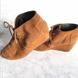 Toms Camel Suede Leather WEDGE Ankle Boots US 8