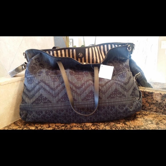 47 off pottery barn kids handbags pottery barn kids navy blue embroidered diaper bag from. Black Bedroom Furniture Sets. Home Design Ideas