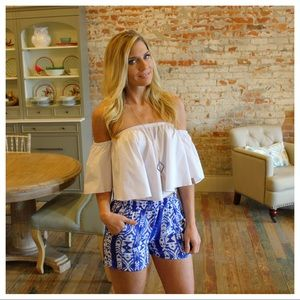 Pants - Blue and white printed shorts with pockets