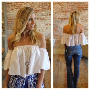White off shoulder flounce poplin crop top