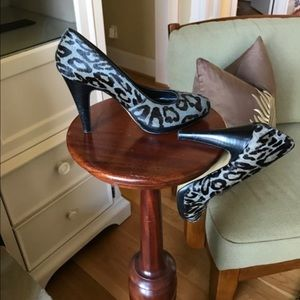 Leopard print Pony hair pumps